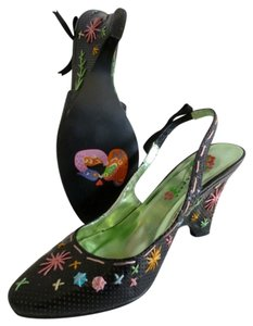 Transport Leather Designer Versitile Black with multi-color trim Pumps