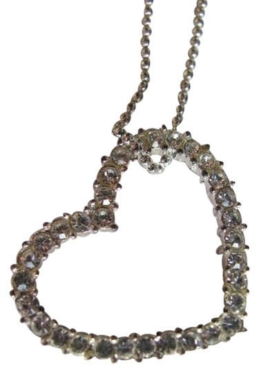 Preload https://img-static.tradesy.com/item/731970/silver-floating-heart-on-chain-necklace-0-0-540-540.jpg