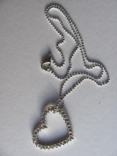 Other SILVER FLOATING HEART ON CHAIN