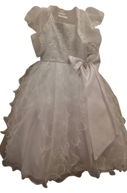 Preload https://img-static.tradesy.com/item/7319845/tip-top-kids-white-and-silver-2261-mid-length-formal-dress-size-4-s-0-1-650-650.jpg