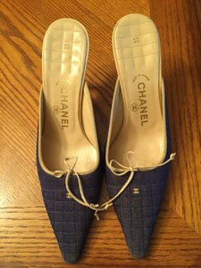 Chanel Vintage Padded Soles Pointed Toe Denim Pumps