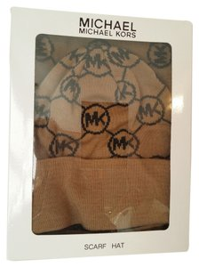 Michael Kors Signature Circle Logo Knit Hat & Scarf Box Set Camel/Derby