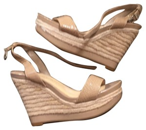Gianni Bini Nude Wedges