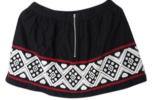 Forever 21 Small Petite Size 4 Mini Skirt Black white red