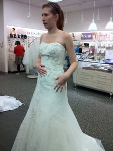 Oleg Cassini Ces 409 Wedding Dress