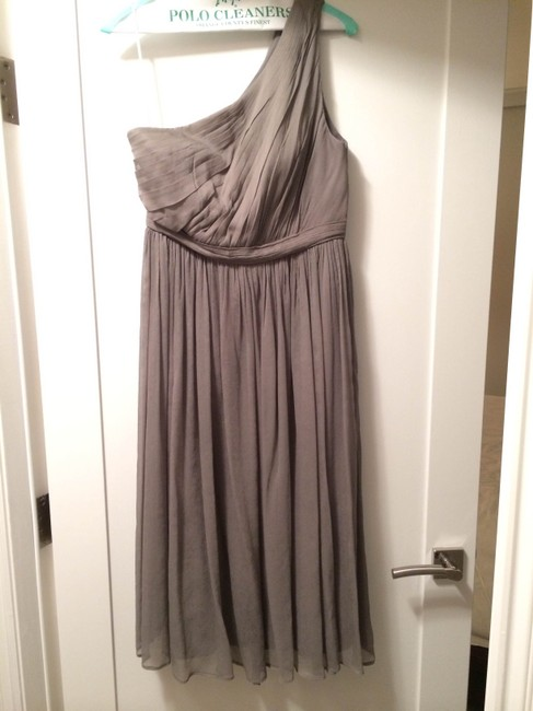 Item - Gray Silk Chiffon Kylie In Formal Bridesmaid/Mob Dress Size 10 (M)