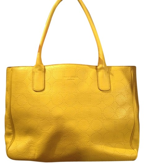 Preload https://item3.tradesy.com/images/kate-spade-yellow-leather-satchel-733442-0-0.jpg?width=440&height=440