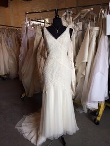 Vera Wang Vw351021 Wedding Dress