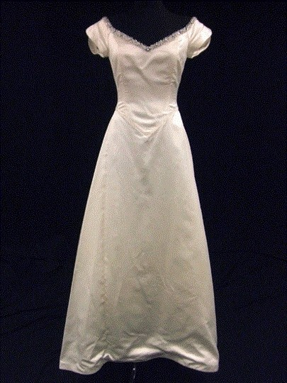 Lazaro Ivory Silk Satin Gown with Cap Sleeves and Gem Lined Neckline Wedding Dress Size 8 (M)