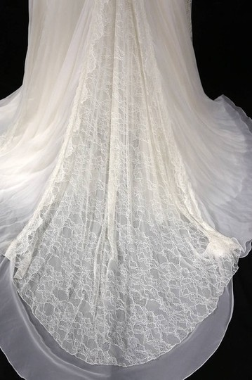 Ivory Silk Organza/Alencon Lace Organza/Alencon Sheath Gown Wedding Dress Size 8 (M)