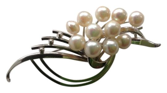 Preload https://img-static.tradesy.com/item/734591/sterling-and-pearl-silver-freshwater-pin-0-0-540-540.jpg