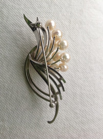 Other SILVER and Freshwater pearl Pin