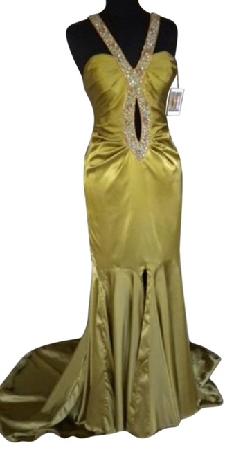 Preload https://item3.tradesy.com/images/gold-prom-full-length-keyhole-scoop-back-long-formal-dress-size-8-m-734917-0-0.jpg?width=400&height=650