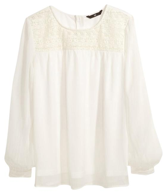 Preload https://img-static.tradesy.com/item/735846/h-and-m-off-white-chiffon-blouse-size-4-s-0-0-650-650.jpg