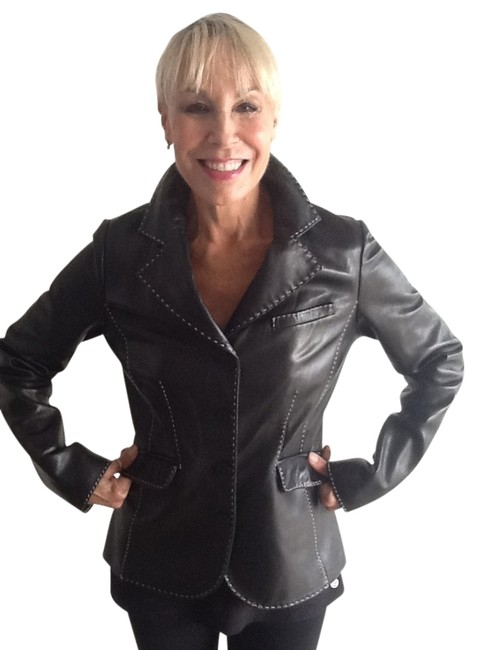 Vakko Contrast Stitching Very Flattering Super Soft Leather Jacket