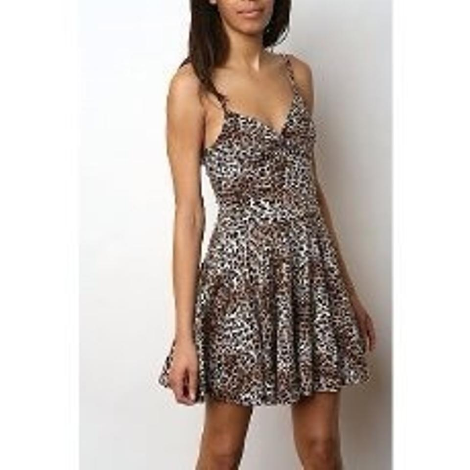 Urban outfitters casual dress short leopard dresses for Urban outfitters wedding dresses