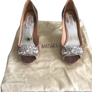 Badgley Mischka Taupe Satin Formal