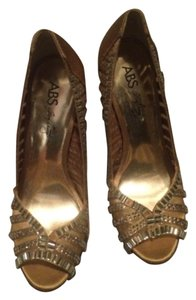A.B.S. by Allen Schwartz Gold Pumps