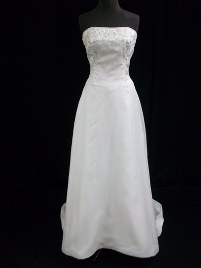 Melissa Sweet Diamond White Silk Crepe Gown with Silver Embroidery Wedding Dress Size 4 (S)