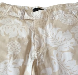 Lee khakis Capris Cream