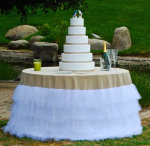 SML Sport Natural Burlap/Linen & White Tulle 108 Round Tablecloth