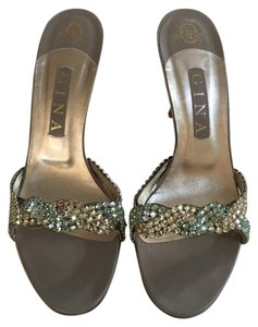 Gina Peters Sage Pumps