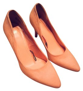 H&M Suede Rubber Soles New Unworn Light Pink Pumps
