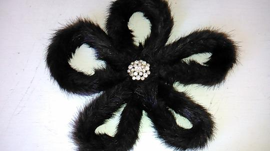 Tracey Vest Faux Fur Ranch Mink Oversized Flower Magnet Pin Brooch with Rhinestone center