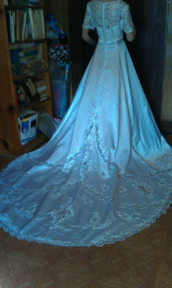 Gloria vanderbilt david 39 s bridal wedding dress tradesy for Gloria vanderbilt wedding dress