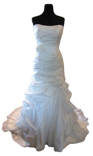 Essense of Australia Off White Satin 5600 Feminine Wedding Dress Size 12 (L)