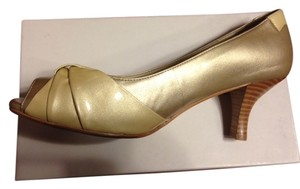 Taryn Rose Metallic Medium Heels Beige/Gold Pumps