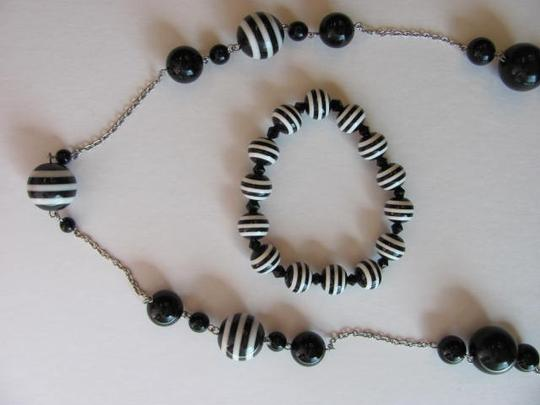 Other SET OF NECKLACE AND BRACELET