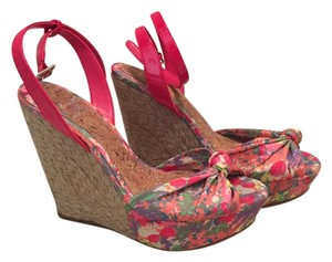 Gianni Bini Wedge Giani Sandal Pink multi Wedges
