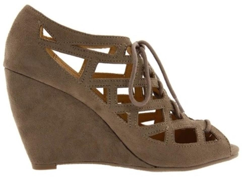 0a67b1102 MIA Sand Dirty Girl Quincy Sandals Size US 9 Regular (M