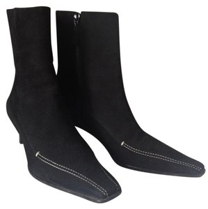 ANN TAYLOR Very Nice Black Suede Boots