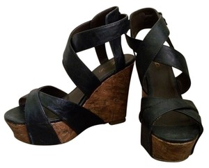 Soda Blu Black, Wood Wedges