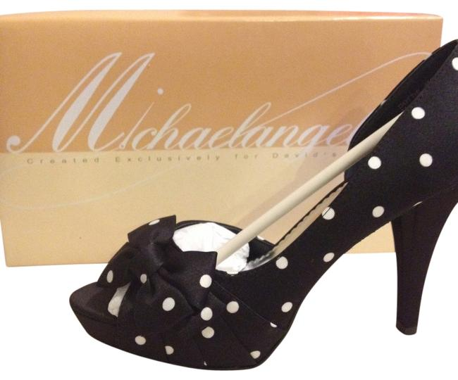 Item - Black with White Polka Dots Pumps Size US 8