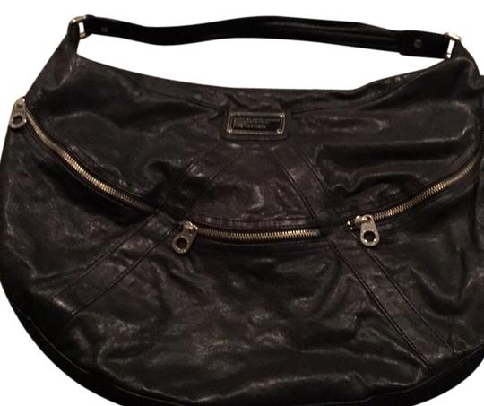 Preload https://item4.tradesy.com/images/marc-by-marc-jacobs-zipper-detail-black-leather-hobo-bag-7413223-0-1.jpg?width=440&height=440