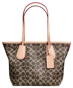 Coach Tote in LIGHT GOLD/SADDLE/APRICOT