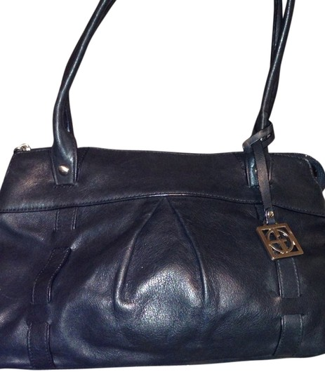 Preload https://img-static.tradesy.com/item/741826/giani-bernini-leather-purse-tote-black-satchel-0-0-540-540.jpg