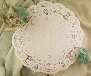 """White (100) 8"""" Paper Doilies"""