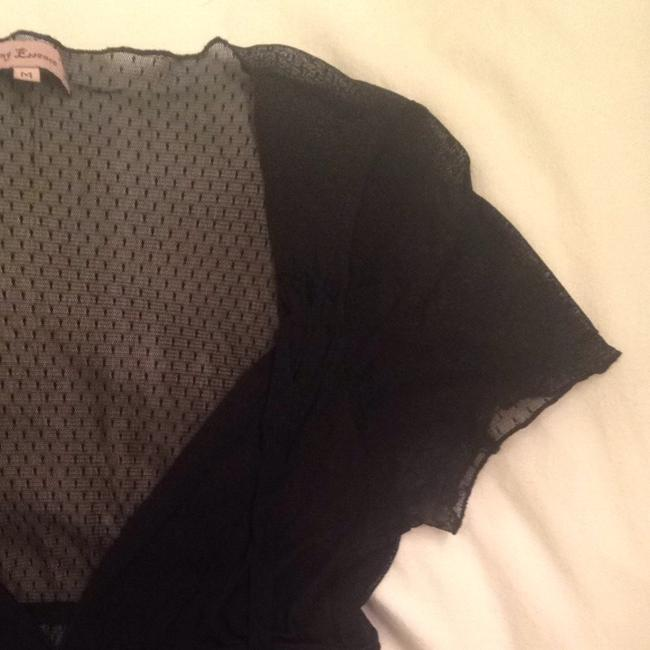 Young Essence Top Black