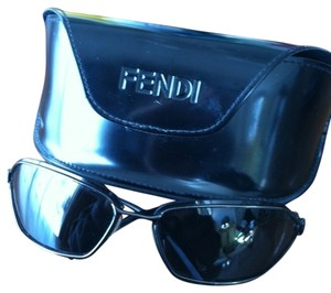 Fendi Fendi Sleek Sunglasses