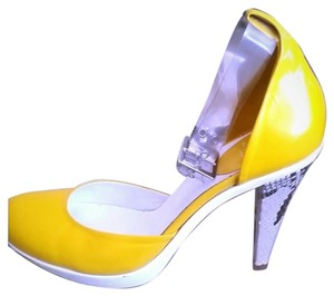 Charles David Yellow and white pump with snakeskin heel Pumps