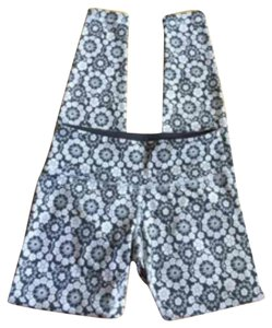 Lululemon Like New Lululemon Wunder Under Pant Floral Twiggy Size 4