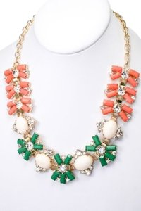 Acrylic Rectangle Cluster Fashion Necklace