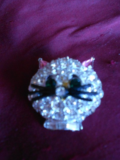 CAT BROACH CUTIE OF A CAT PIN ASK WILDFOX....