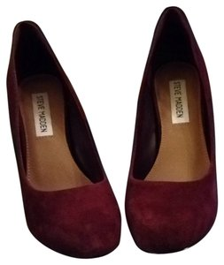 Steve Madden Plum Pumps