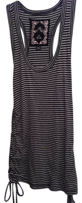 Guess Top Black and White Striped