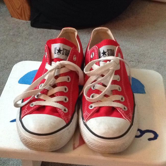 Item - Red Chuck Taylor Low-top Sneakers Size US 7.5 Regular (M, B)